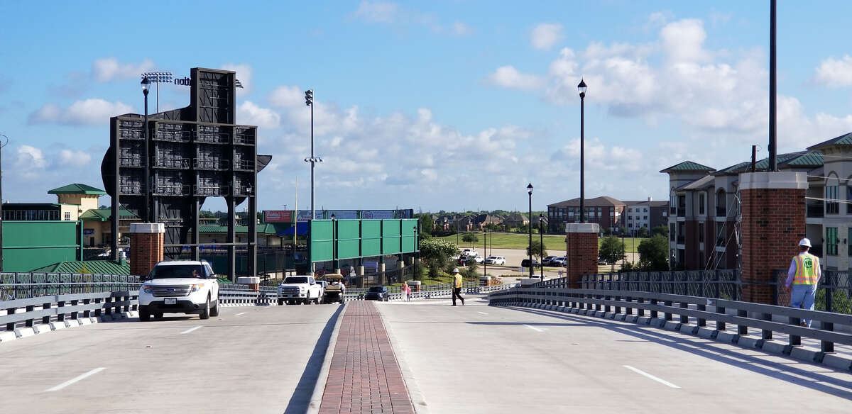 A half-mile, four-lane extension of University Boulevard in Sugar Land is spurring residential development, according to civil engineering firm Lockwood, Andrews & Newnam.