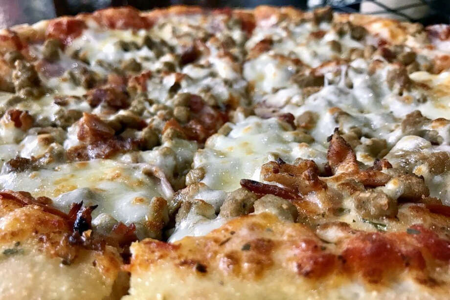 Dan's PizzaLocated at 15148 Highway 3, Dan's Pizza is the highest rated business in the neighborhood, boasting 4.5 stars out of 451 reviews on Yelp. Photo courtesy:Mark B./Yelp Photo: Mark B./Yelp