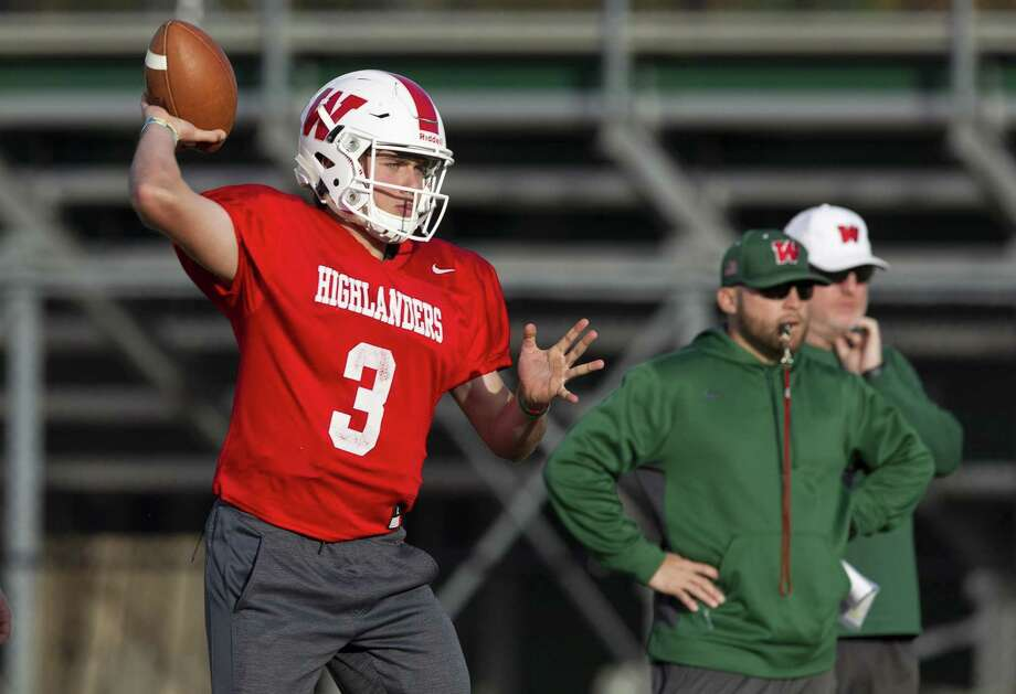 The Woodlands quarterback Casey Sunseri (3) throws a pass during football practice at The Woodlands High School, Tuesday, Nov. 27, 2018, in The Woodlands. Photo: Jason Fochtman, Houston Chronicle / Staff Photographer / © 2018 Houston Chronicle