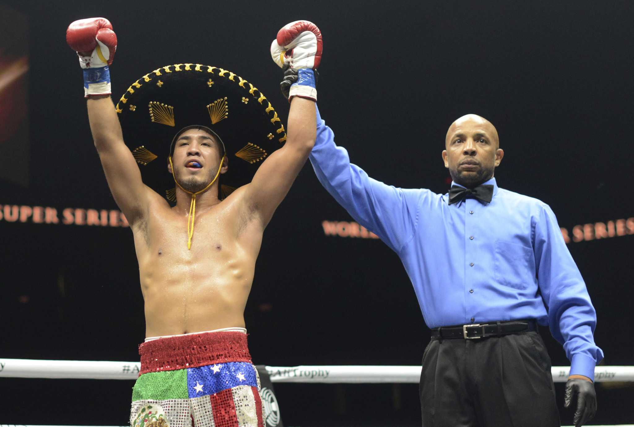 For San Antonio Boxer Kendo Castaneda Espn Bout A Lateral Move Expressnews Com