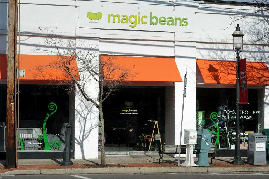 Magic Beans toy store in Fairfield in 2016. Photo: Ned Gerard / Hearst Connecticut Media / Connecticut Post