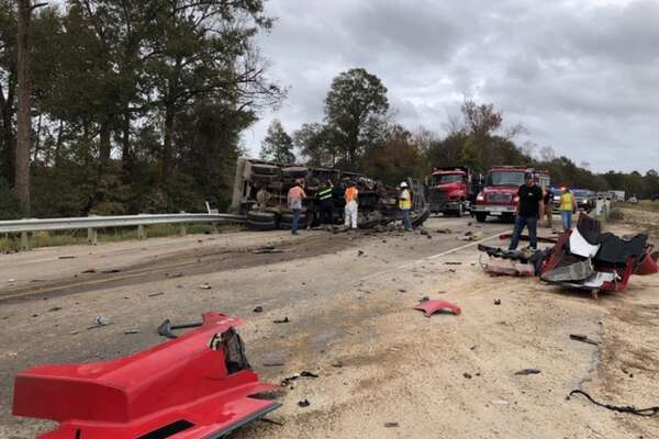 3 dump trucks crashed on FM 365 5 miles north of Interstate 10 in Jefferson County on 11/29/18