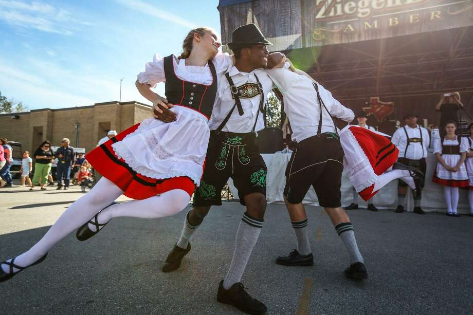 The German Christmas Market & Festival will be hosted in downtown Tomball on Dec. 7 - 9 and will feature live music, dancing and vendors. Photo: Michael Minasi / MICHAEL MINASI