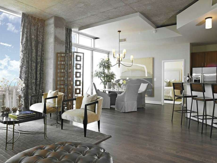The Mosaic offers luxury living in the Hermann Park area.
