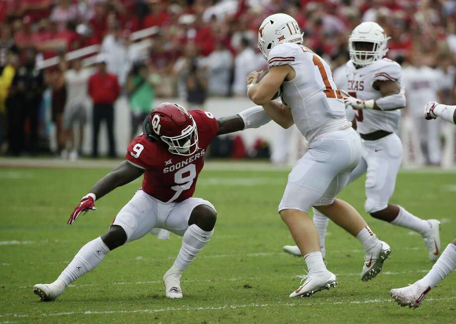 In this Oct. 6, 2018, file photo, Oklahoma linebacker Kenneth Murray (9) attempts to tackle Texas quarterback Sam Ehlinger (11) during the first half of an NCAA college football game in Dallas. Photo: Roger Steinman, FRE / Associated Press / FR171255 AP