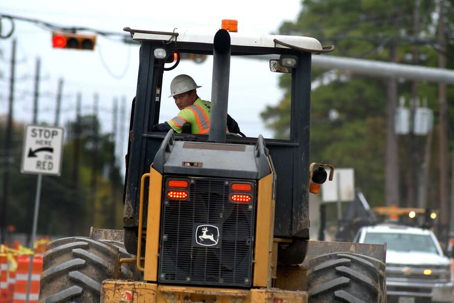 Work continues on a road constuction project on Grant Road near N. Eldridge Parkway in Cypress on Nov. 29, 2018. Photo: Jerry Baker, Houston Chronicle / Contributor / Houston Chronicle