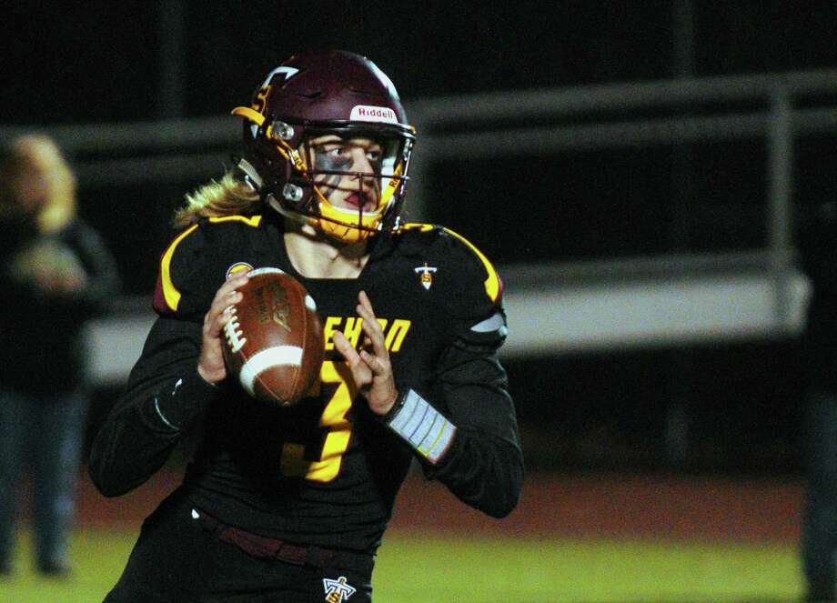 Sheehan quarterback Weston Terzi has thrown for for 1,631 yards and 21 touchdowns this season. Photo: Christian Abraham / Hearst Connecticut Media / Connecticut Post