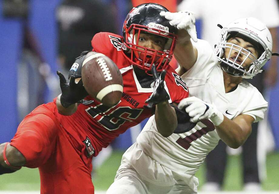 Thunderbird cornerback Avante Stevens breaks up a pass intended for Scottie Green and almost gets the interception as Wagner takes on Flour Bluff in third round high school football playoff action at the Alamodome on November 30, 2018. Photo: Tom Reel, Staff / Staff Photographer / 2017 SAN ANTONIO EXPRESS-NEWS