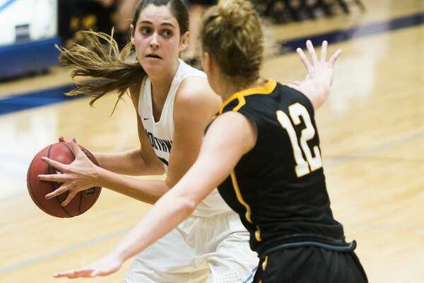 Northwood's Grace German dribbles down the court during a game against Michigan Tech on Saturday, Dec. 1, 2018 at Northwood University. (Katy Kildee/kkildee@mdn.net)