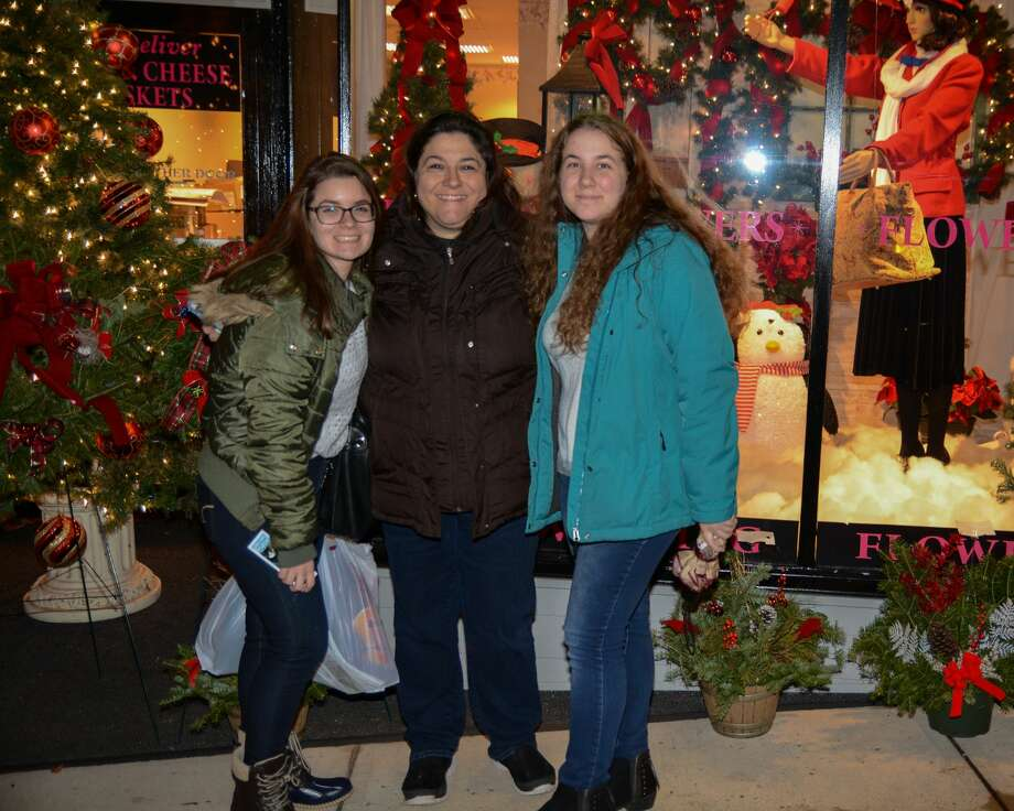 The town of Wallingford hosted its 10th annual Downtown Holiday Stroll on Friday, Nov. 30, 2018. Sponsored by Wallingford Center, Inc. and Wallingford Parks and Recreation, the event featured ice carvers, a bon fire, a DJ and more. Were you SEEN? Photo: YVPR Photography