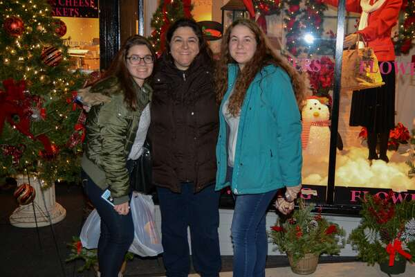 The town of Wallingford hosted its 10th annual Downtown Holiday Stroll on Friday, Nov. 30, 2018. Sponsored by Wallingford Center, Inc. and Wallingford Parks and Recreation, the event featured ice carvers, a bon fire, a DJ and more. Were you SEEN?