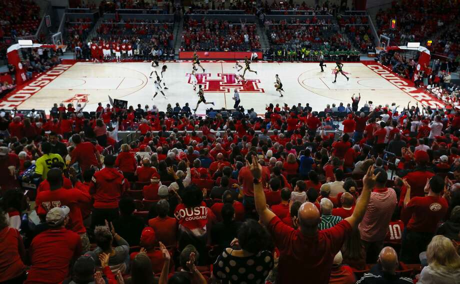 Houston fans cheer as the Cougars play in the inaugural NCAA basketball game at Fertitta Center against Oregon on Saturday, Dec. 1, 2018, in Houston. Photo: Brett Coomer/Staff Photographer