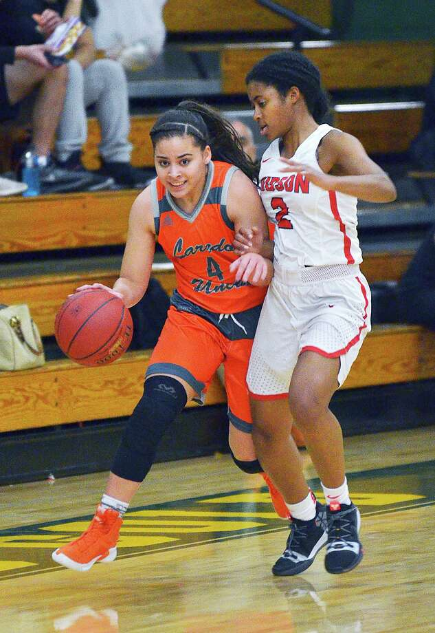 Evelyn Quiroz and United face Judson Saturday in the semifinals of the Border Olympics Hoopfest. The Lady Longhorns faced Judson in the title game last year falling 66-57 to the eventual state champion. Photo: Cuate Santos / Laredo Morning Times File / Laredo Morning Times