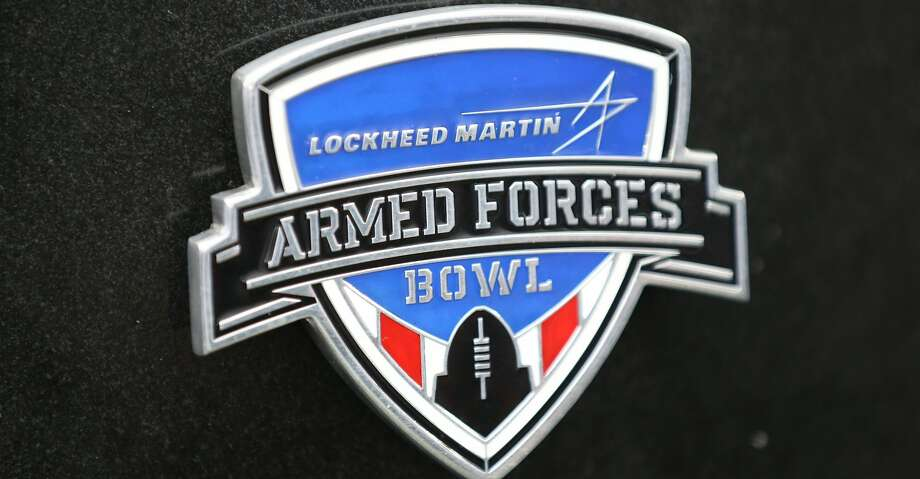 FORT WORTH, TX - JANUARY 02:  A trophy is seen during the Lockheed Martin Armed Forces Bowl game between the Houston Cougars and the Pittsburgh Panthers at Amon G. Carter Stadium on January 2, 2015 in Fort Worth, Texas.  (Photo by Sarah Glenn/Getty Images) Photo: Sarah Crabill/Getty Images