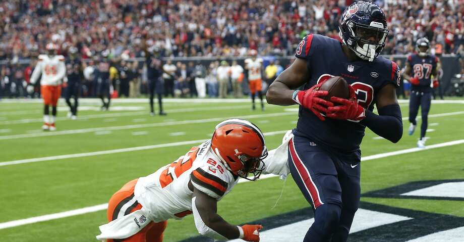 Houston Texans tight end Jordan Thomas (83) beats Cleveland Browns free safety Jabrill Peppers (22) for an 11-yard touchdown reception during the first quarter of an NFL football game at NRG Stadium on Sunday, Dec. 2, 2018, in Houston. Photo: Brett Coomer/Staff Photographer
