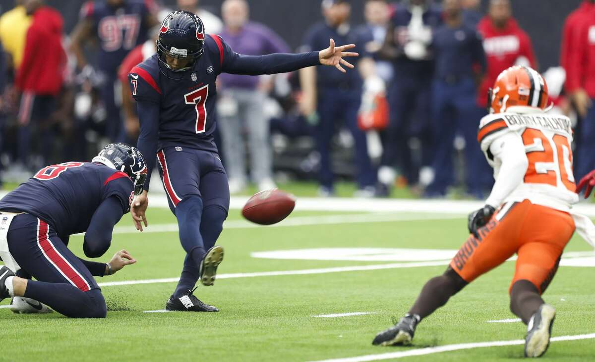 Houston Texans kicker Ka'imi Fairbairn (7) kicks a 38-yard field goal against the Cleveland Browns during the fourth quarter of an NFL football game at NRG Stadium on Sunday, Dec. 2, 2018, in Houston.