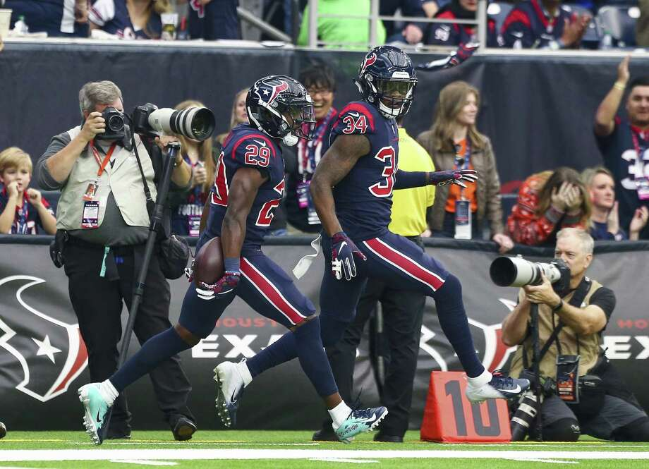 Texans safety back Andre Hal (29) celebrates after intercepting a Baker Mayfield pass in the end zone in the second quarter. Photo: Godofredo A. Vasquez, Houston Chronicle / Staff Photographer / 2018 Houston Chronicle
