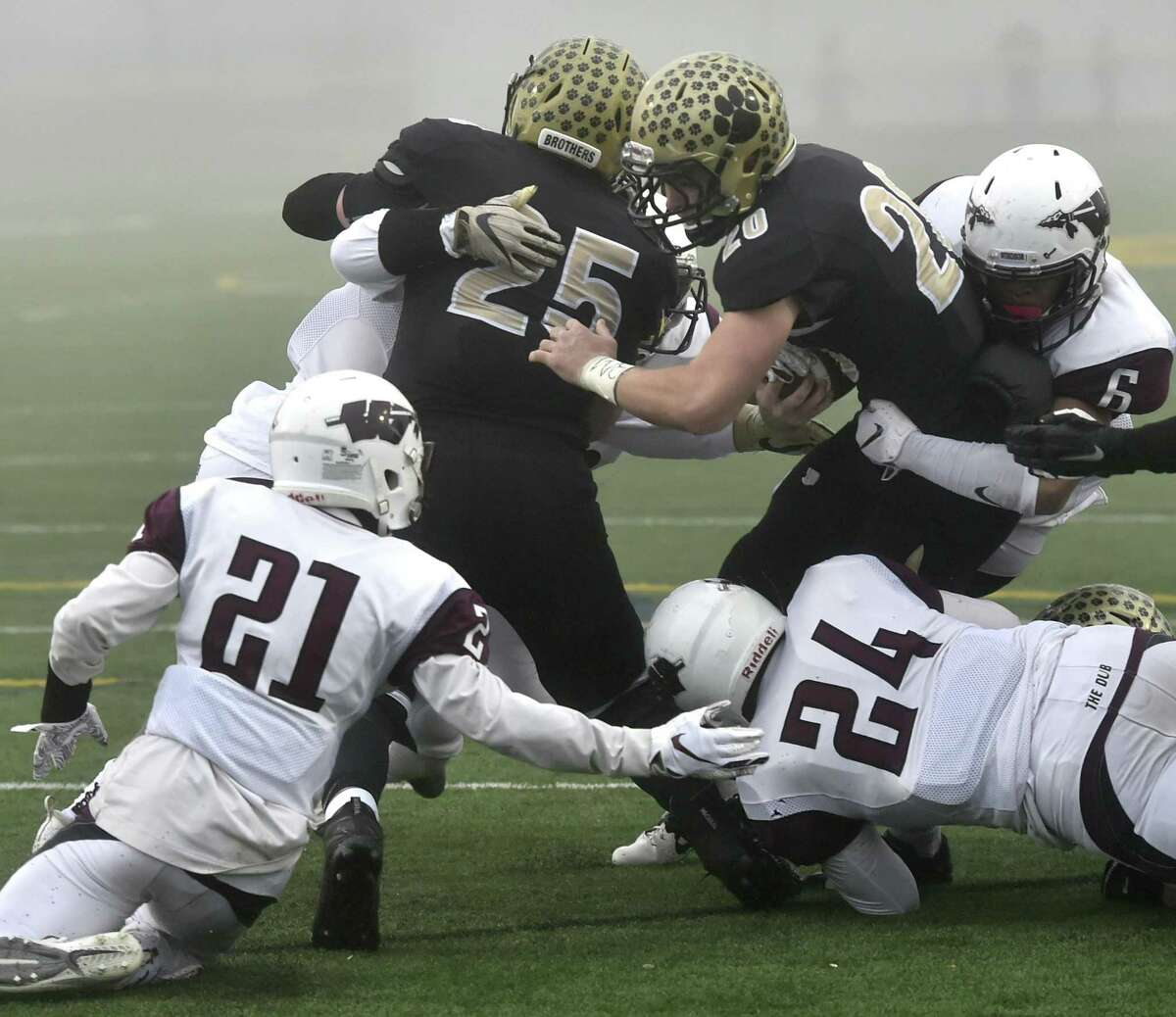 Madison, Connecticut - Sunday, December 2, 2018: #1 Daniel Hand H.S vs. #4 Windsor H.S. during the first quarter of the CIAC Class L Semifinals Sunday afternoon at Strong Field in Madison.