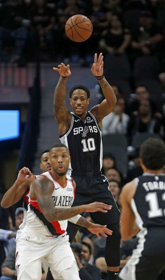 DeMar DeRozan #10 of the San Antonio Spurs makes an outlet pass. Portland Trail Blazers v San Antonio Spurs at AT&T Center on Sunday, December 2, 2018. Photo: Ronald Cortes/Contributor