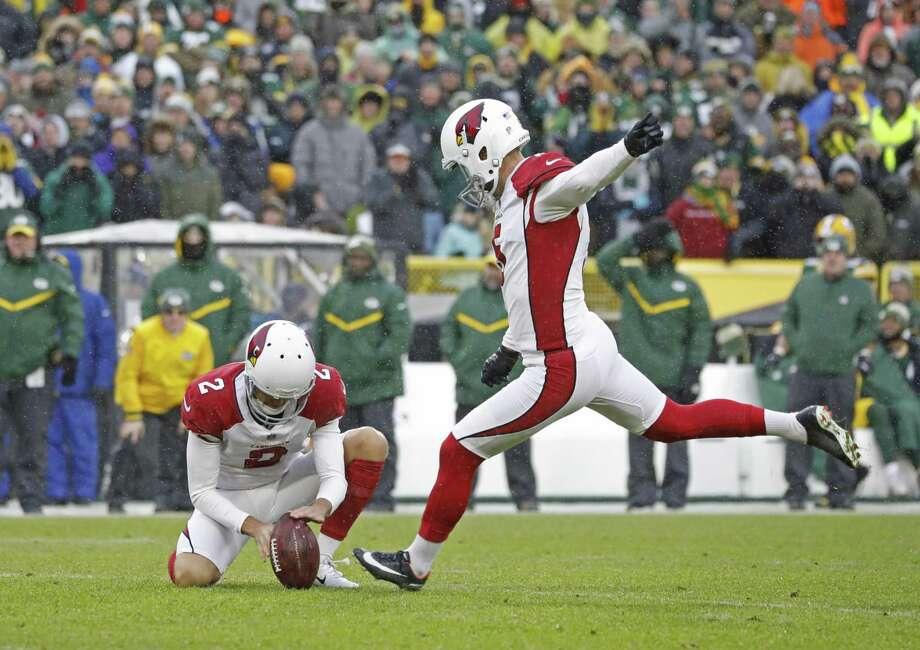 Arizona Cardinals kicker Zane Gonzalez kicks the go ahead field goal during the second half of an NFL football game Sunday, Dec. 2, 2018, in Green Bay, Wis. Arizona won 20-17. (AP Photo/Jeffrey Phelps) Photo: Jeffrey Phelps, FRE / Associated Press / Copyright 2018 The Associated Press. All rights reserved.