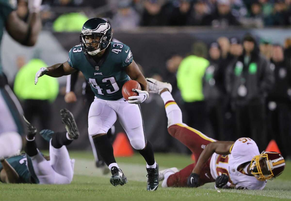 PHILADELPHIA, PA - DECEMBER 03: Running back Darren Sproles #43 of the Philadelphia Eagles returns the punt against wide receiver Jehu Chesson #16 of the Washington Redskins during the second quarter at Lincoln Financial Field on December 3, 2018 in Philadelphia, Pennsylvania. (Photo by Elsa/Getty Images)