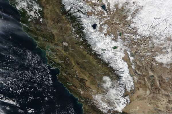 """#SierraNevada from space on 2nd of December. Since last Wednesday heavy snow fell in the area, about 40 '' of snow accumulated in isolated regions."" -National Weather Service, Bay Area"