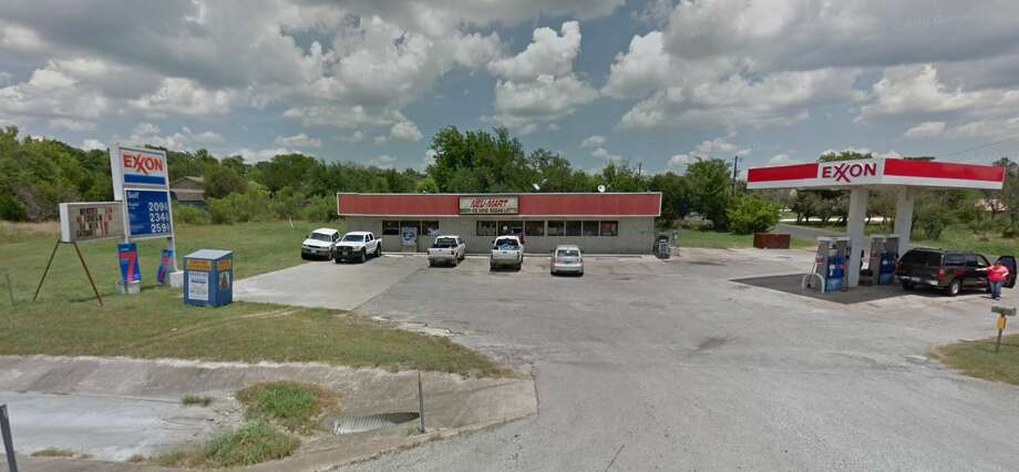 A winning $950,000 lottery ticket was sold at Neu-mart #4, located on 3555 Bandera Highway in Kerrville. Photo: Google Maps Screenshot
