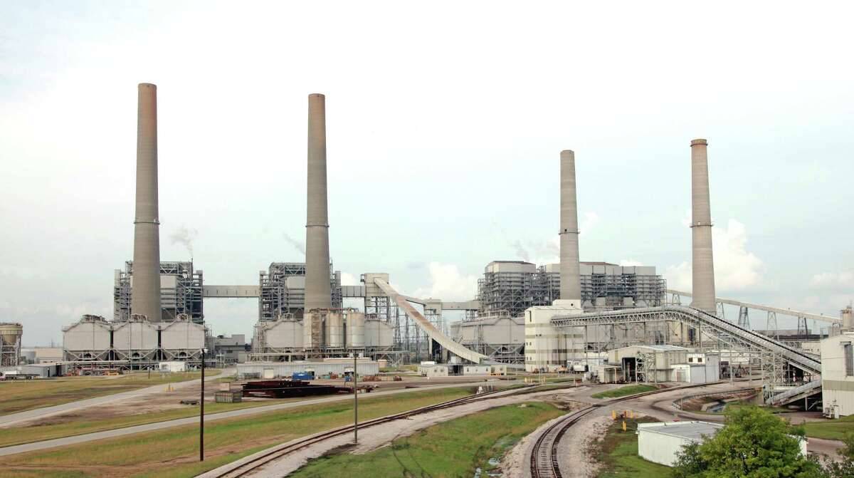 NRG Energy outfitted its W.A. Parish power plant in Fort Bend County with infrastructure to capture carbon dioxide from coal and pipe the greenhouse to an oil field for use underground in enhanced oil recovery, but the systemis no longer in operation.