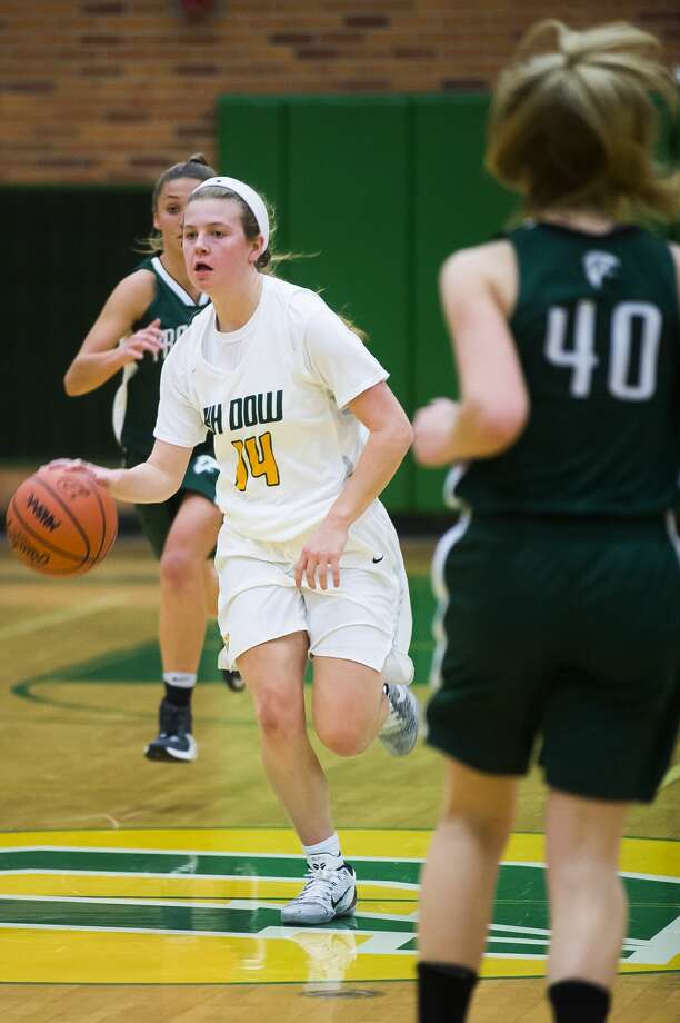 Dow senior Molly Davis dribbles down the court during a game against Freeland on Tuesday, Dec. 4, 2018 at H. H. Dow High School. (Katy Kildee/kkildee@mdn.net) Photo: (Katy Kildee/kkildee@mdn.net)