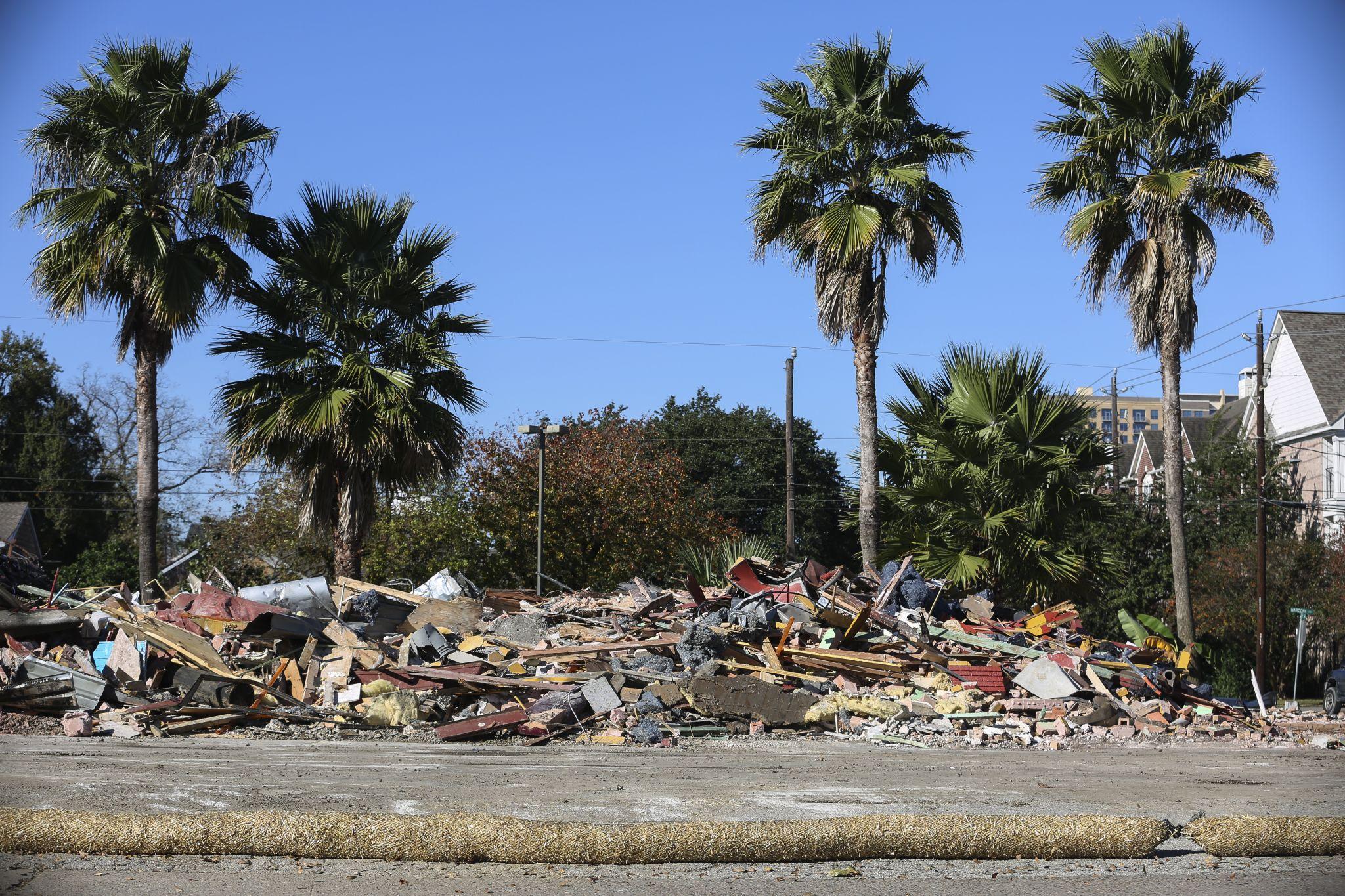 El Tiempo's 1308 Montrose location has really great smelling rubble