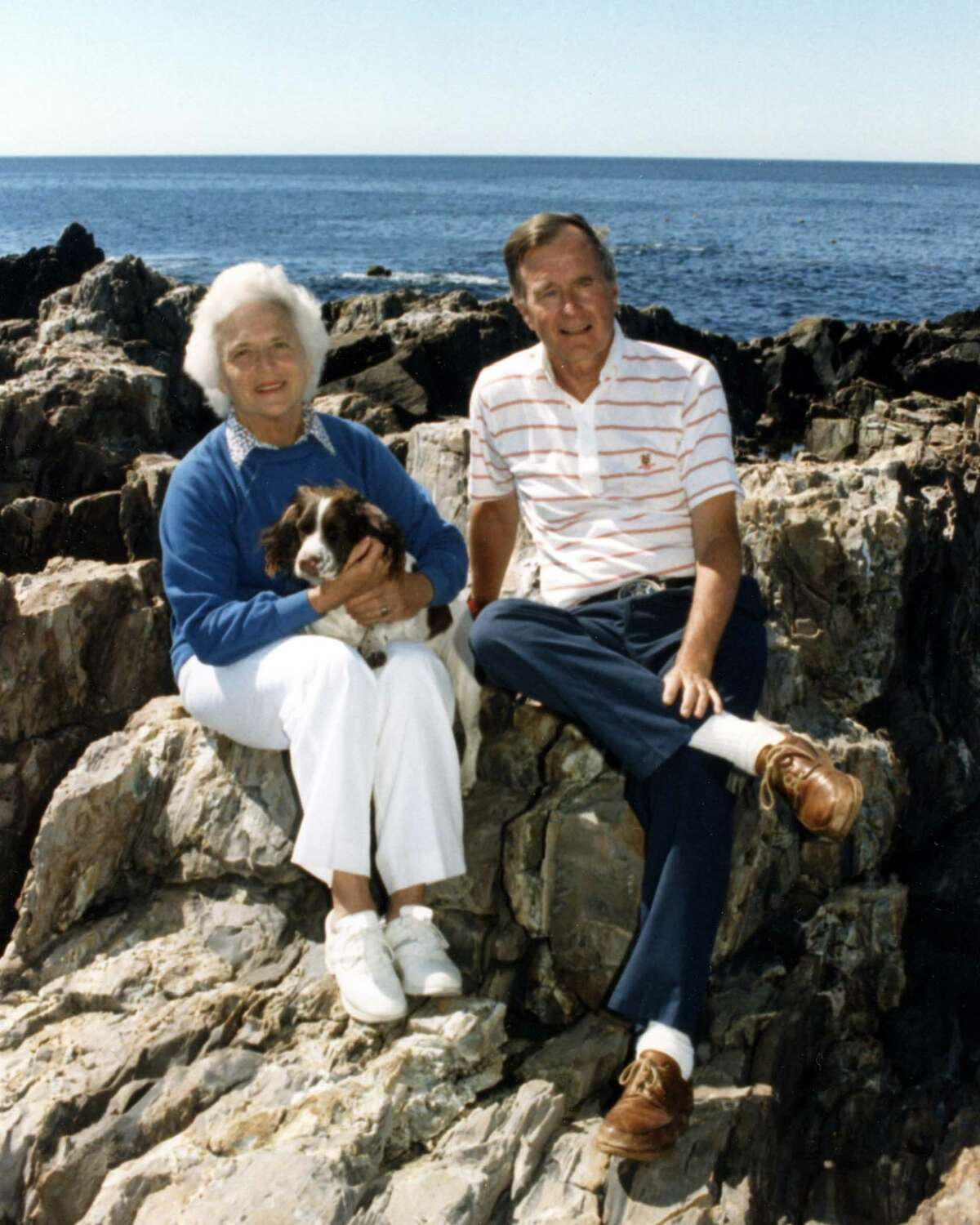 Vice President and Mrs. Bush with their dog, Millie, Walker's Point, Kennebunkport, ME, 27 Jul 87.