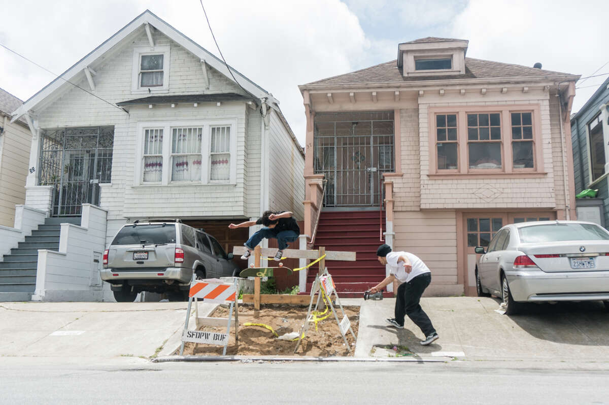 Tony Karr of Deep Fried does a kickflip in the Outer Mission.