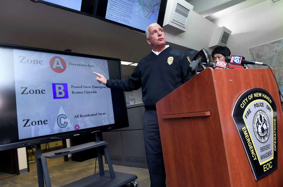 Rick Fontana, city director of emergency operations, explains the new parking ban zones. Photo: Arnold Gold / Hearst Connecticut Media / New Haven Register