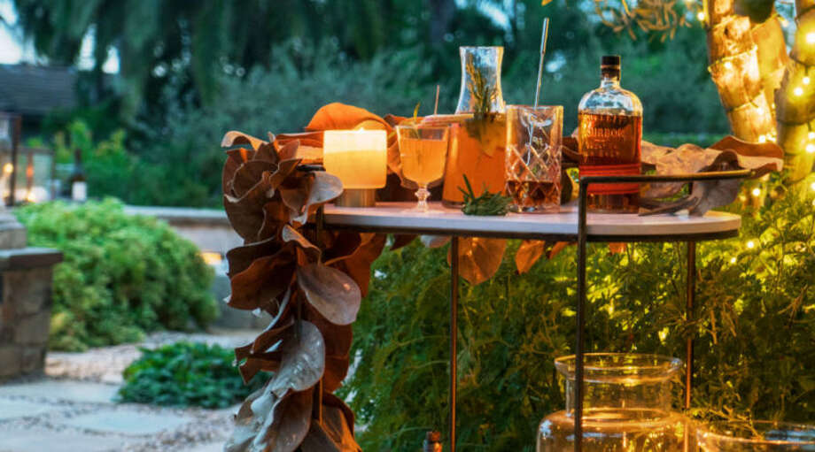 Click through the slideshow to learn how to set the mood for a festive outdoor holiday soiree. Photo: Thomas J. Story