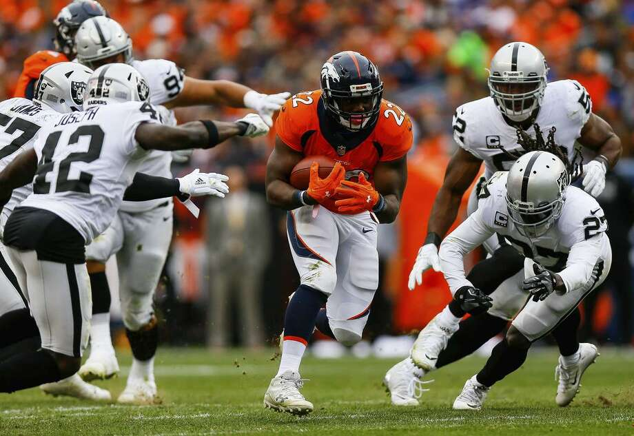 Running back C.J. Anderson (22) was at Denver for five years and won a ring there. Photo: Justin Edmonds / Getty Images 2017 / 2017 Getty Images