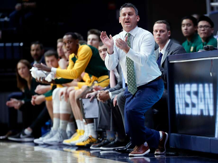 USF head coach Kyle Smith had the Dons distributing the ball crisply to pass up good shots in favor of better ones. Photo: Scott Strazzante / The Chronicle