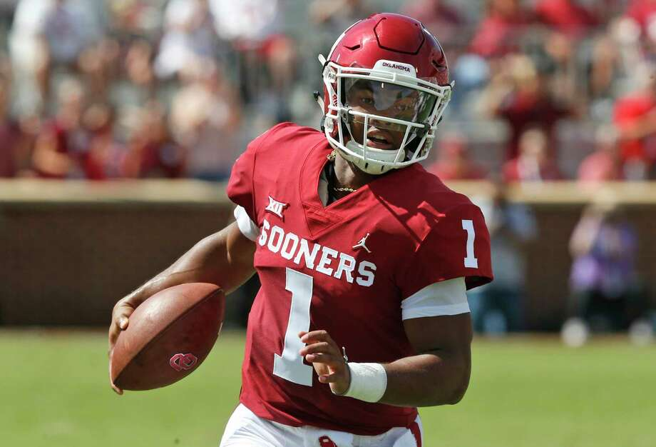 FILE - In this Sept. 1, 2018, file photo, Oklahoma quarterback Kyler Murray (1) carries the ball in the first half of an NCAA college football game against Florida Atlantic, in Norman, Okla. Murray was named a Heisman Trophy finalist on Monday, Dec. 3, 2018. Photo: Sue Ogrocki, AP / Copyright 2018 The Associated Press. All rights reserved.