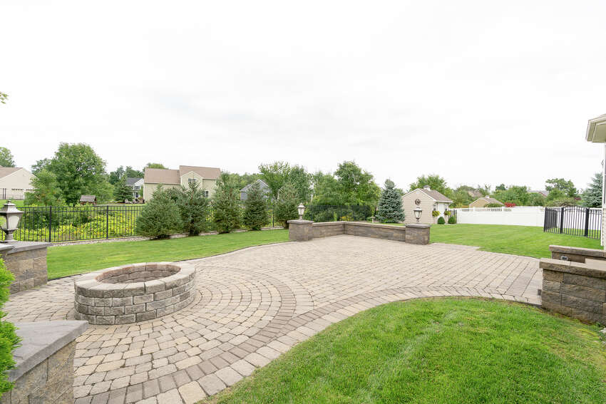 House of the Week: 22 Silo Dr., Halfmoon | Realtor: Melissa Hems of Berkshire Hathaway Blake | Discuss: Talk about this house
