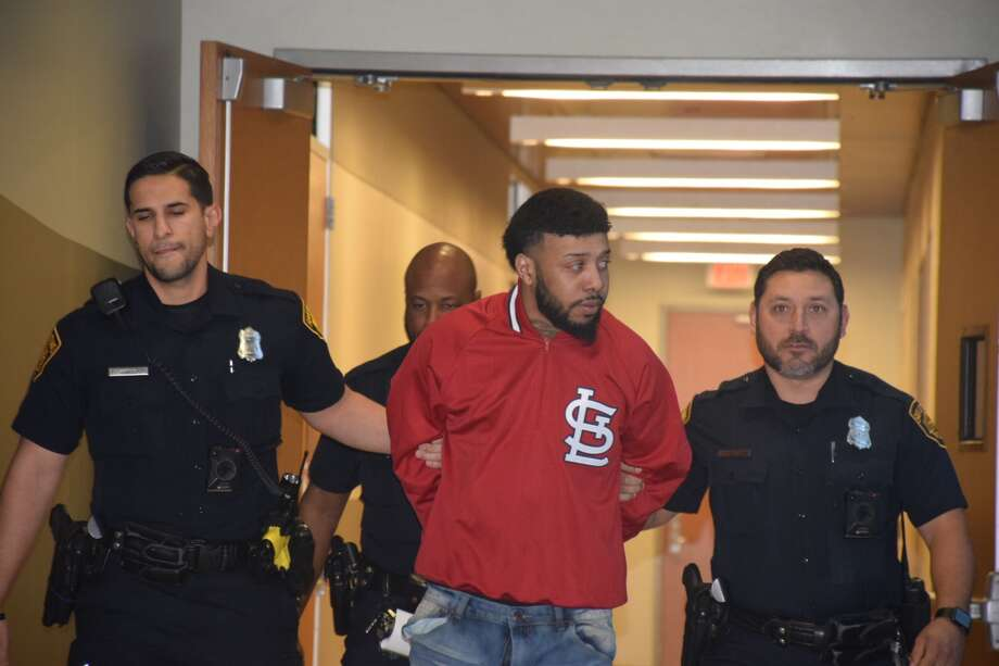 Raashon Fontelroy, 25, was arrested on suspicion of murder in connection to the death of LaPoe Smith Jr. Photo: Caleb Downs/San Antonio Express-News