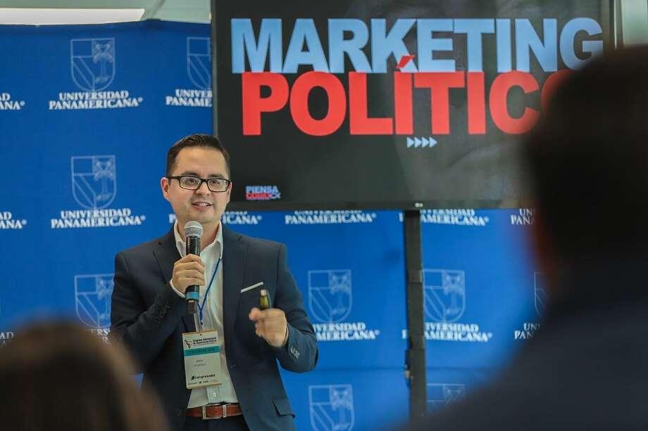 Gerardo Jáuregui representó a Los Dos Laredos en la Cumbre Mundial de Comunicación Política celebrada en la Ciudad de México Photo: /