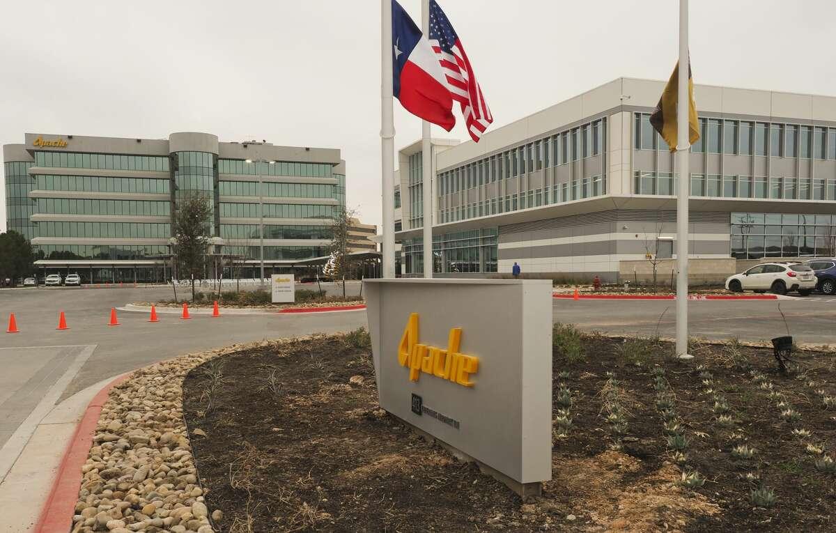 Energy company stocks price drops: Apache -$11.15  -53.86 percent