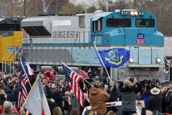 Exclusive Inside The Train Carrying George H W Bush S Casket