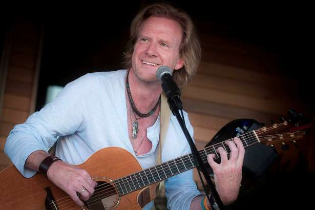 Traveling troubadour Rupert Wates will appear at Voices Cafe in Westport at 8 p.m. Saturday, Dec. 8.