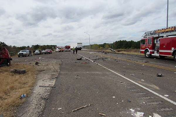 Cleveland man dies in fatal head-on crash - HoustonChronicle com