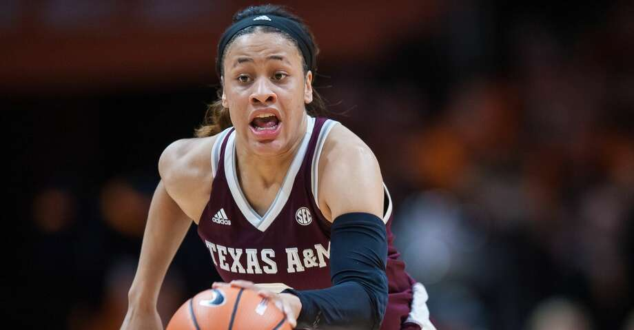 KKNOXVILLE, TN - FEBRUARY 01: Texas A&M Aggies guard Chennedy Carter (3) pushes the ball up the court during a game between the Texas A&M Aggies and Tennessee Lady Volunteers on February 1, 2018, at Thompson-Boling Arena in Knoxville, TN.  Tennessee defeated the Texas A&M Aggies 82-67. (Photo by Bryan Lynn/Icon Sportswire via Getty Images) Photo: Icon Sportswire/Icon Sportswire Via Getty Images