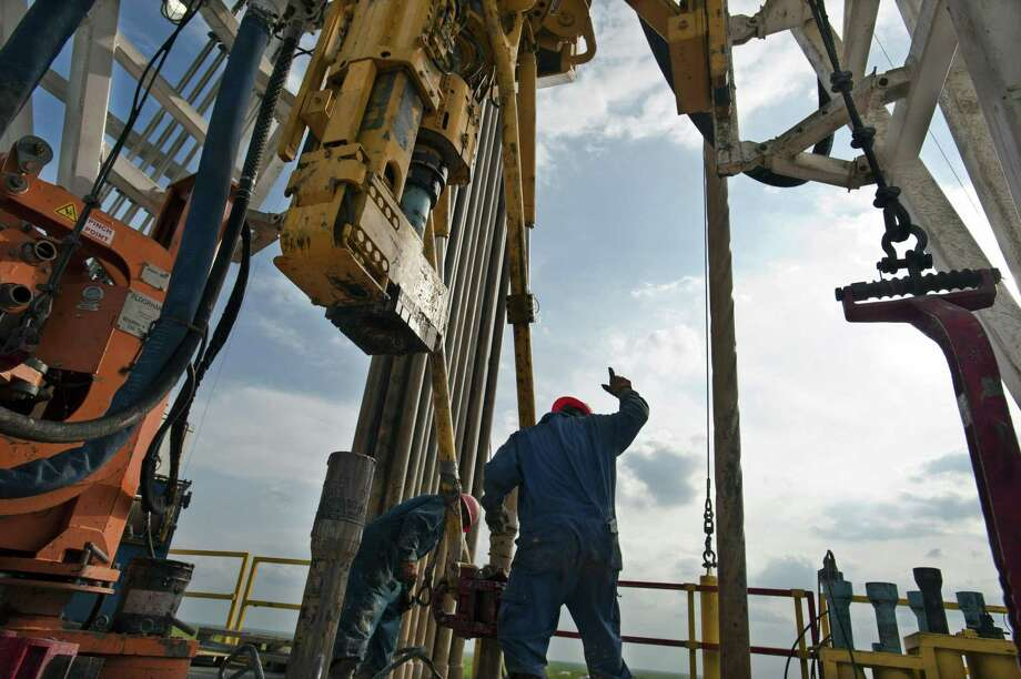 Seeking oil in the Eagle Ford. >>The deepest Gulf of Mexico platforms. Photo: Eddie Seal / Bloomberg / © 2012 Bloomberg Finance LP