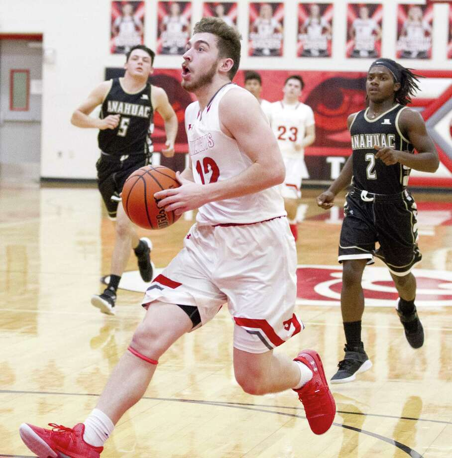 Splendora small forward Ty Broussard, shown here last month, scored 41 total points in a pair of wins for the Wildcats at the Orangefield Tournament on Thursday. Photo: Jason Fochtman, Houston Chronicle / Staff Photographer / © 2018 Houston Chronicle