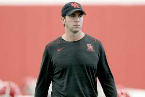 Houston Cougars offensive coordinator and quarterbacks coach Kendal Briles leads practice in the team's new practice facility on Monday, March 5, 2018, in Houston. ( Elizabeth Conley / Houston Chronicle )