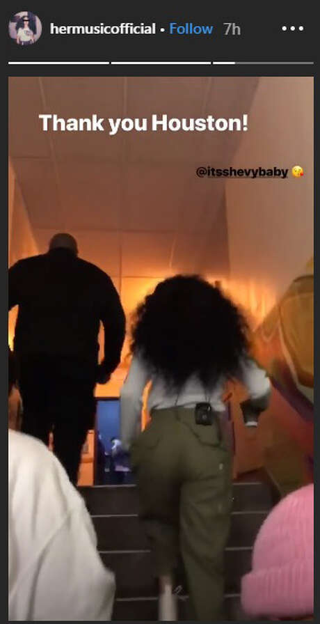 R&B singer H.E.R. in Houston at Revention Music Center. Photo: Https://www.instagram.com/hermusicofficial/