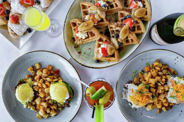 The Union Kitchen on Washington has started Friday brunch service. On the menu: California Benedict, Elvis Waffles (with peanut butter and Bananas Foster sauce), and One Hot Mess (biscuit with breakfast potatoes, bacon, sausage, eggs and gravy).